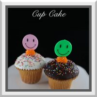 Cupcake w/ Happy Face Pick